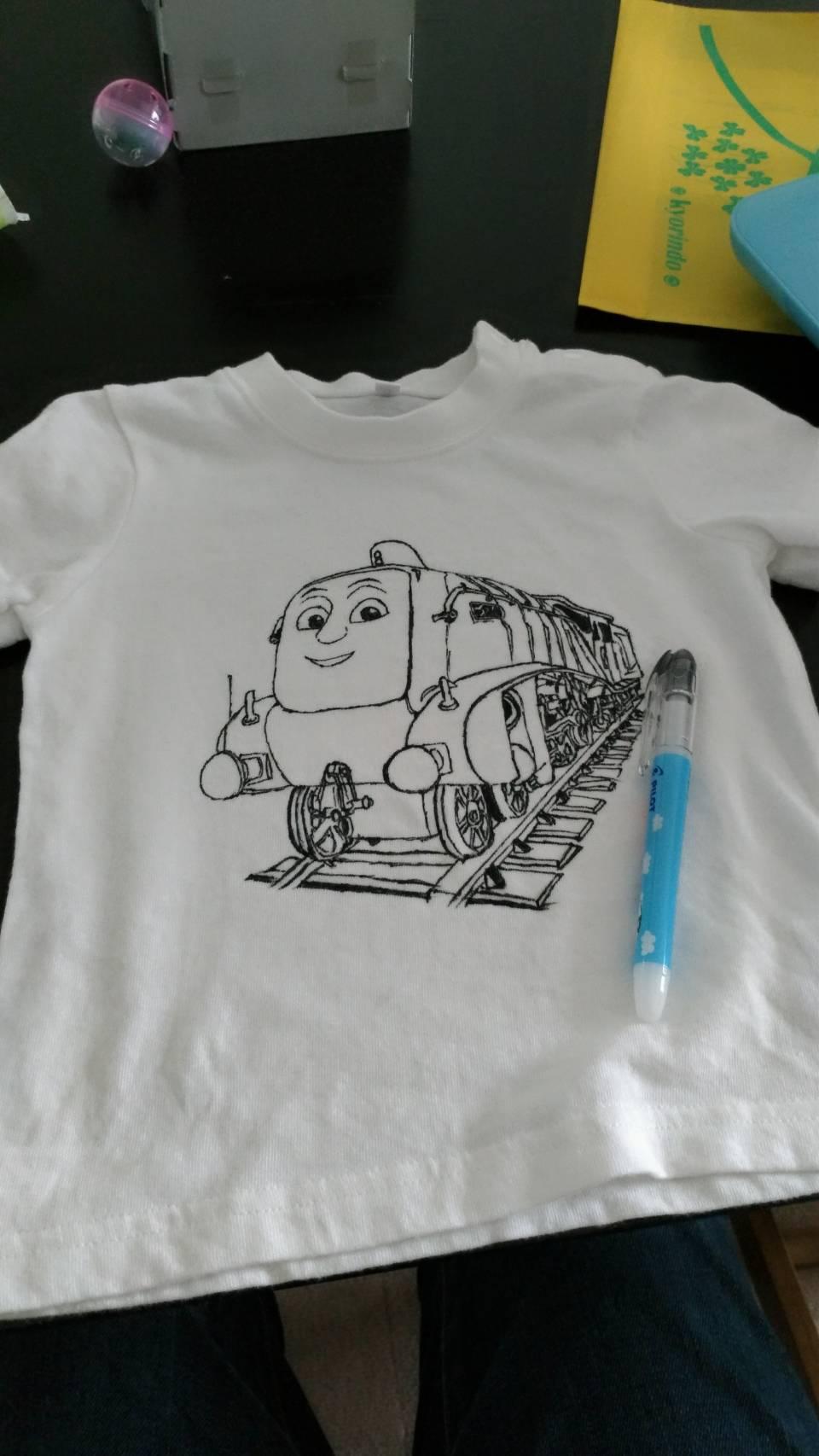 スペンサーをTシャツに描く