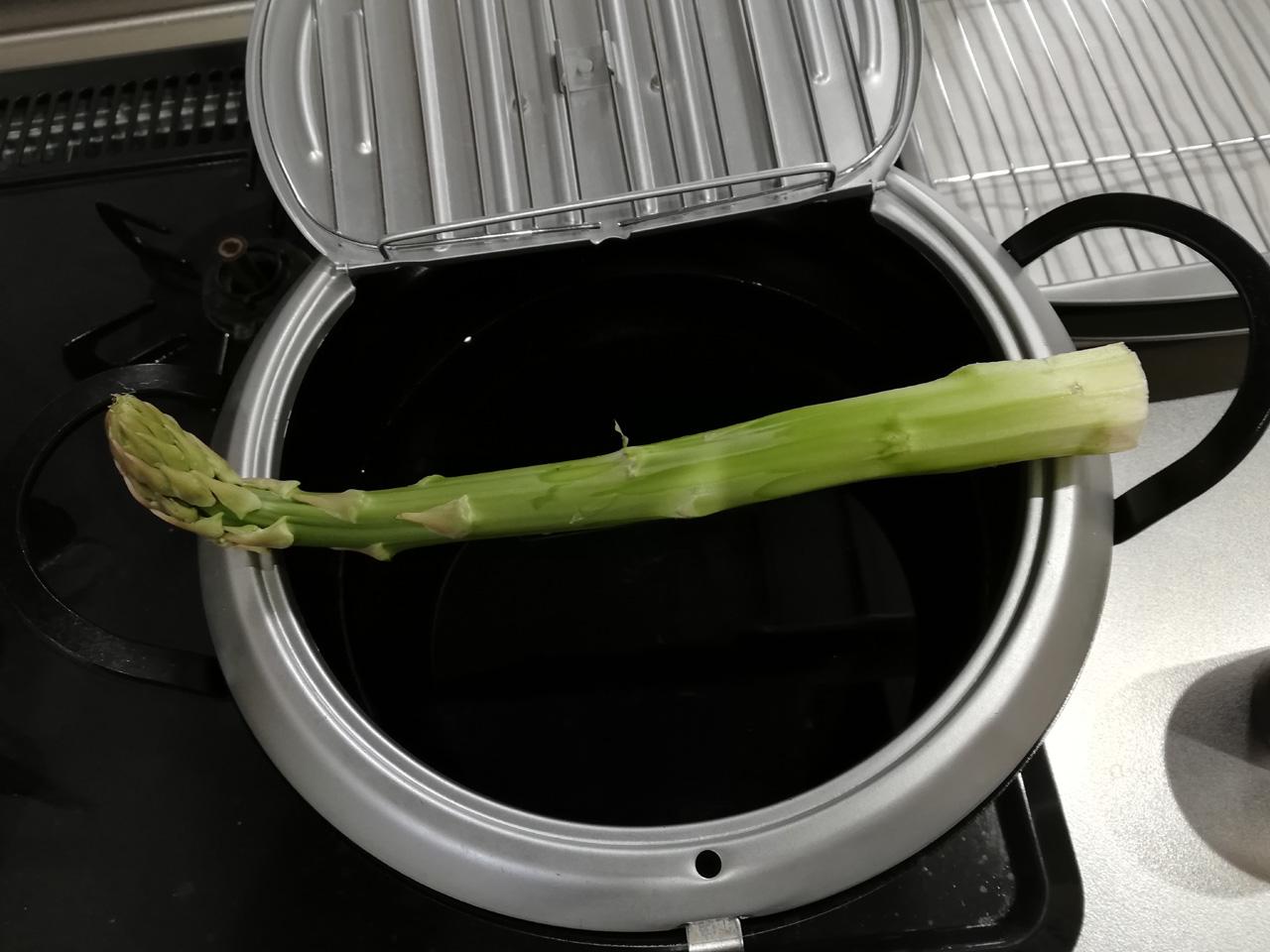 アスパラが鍋に入らない