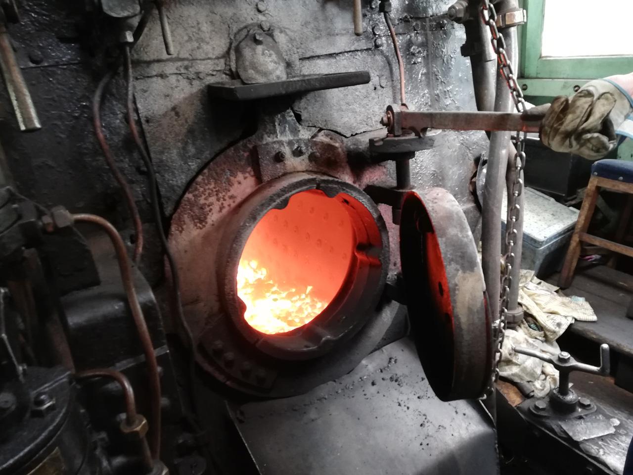 機関車の炉