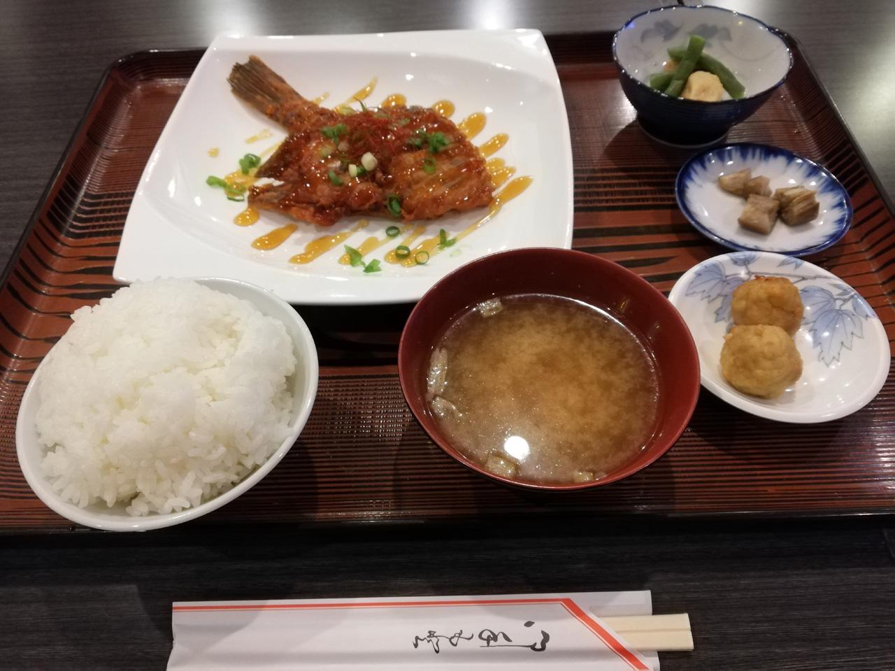 カレイの唐揚げ定食